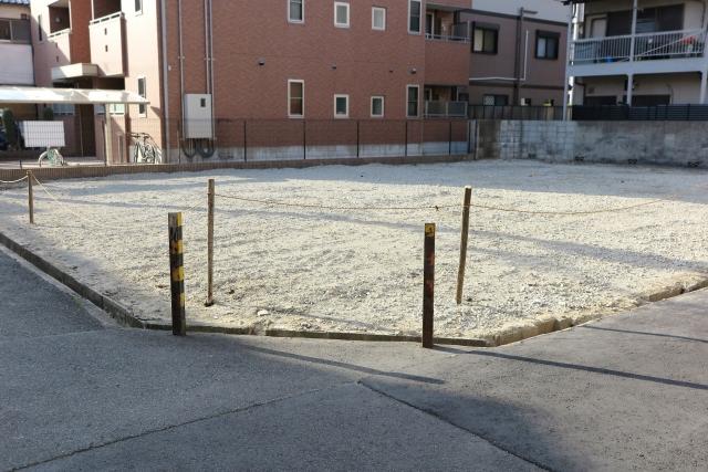 空き家を駐車場として生まれ変わらせるには?